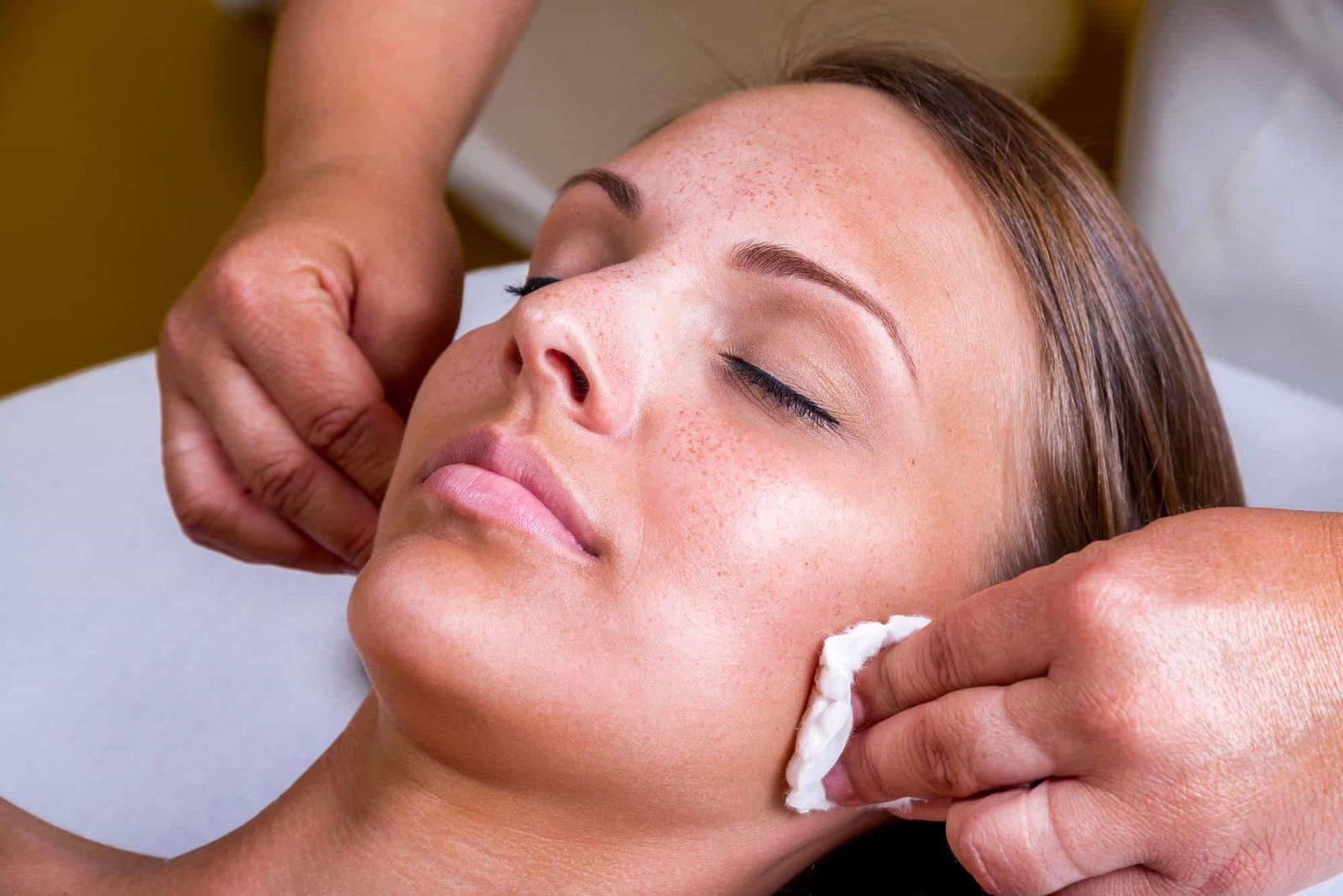 chemical-peels-glasgow - woman undergoing treatment